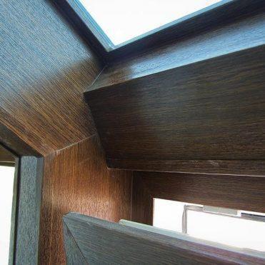 Derevyannye i derevo-alyuminievye okna
