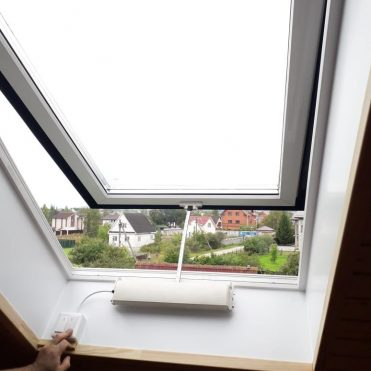 Okna s elektroprivodom